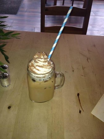 Cafe Eighteen: iced coffee