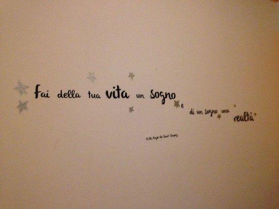 Hotel San Desiderio : sul muro della nostra camera