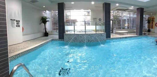 Trillium Suites - Mississauga : Pool not too large but adequate