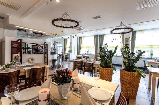 Alpex Hotel: Restauracja Niezłe Ziółko