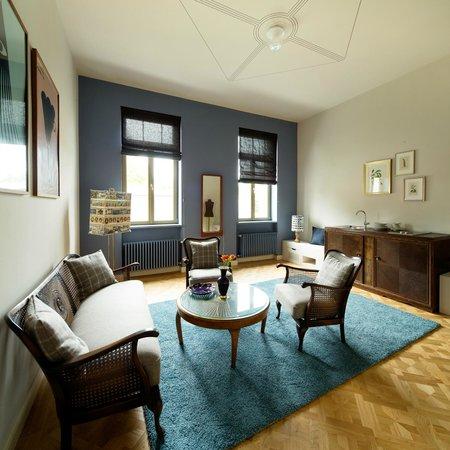 Das Lindenberg: Wohnzimmer einer Zweizimmersuite