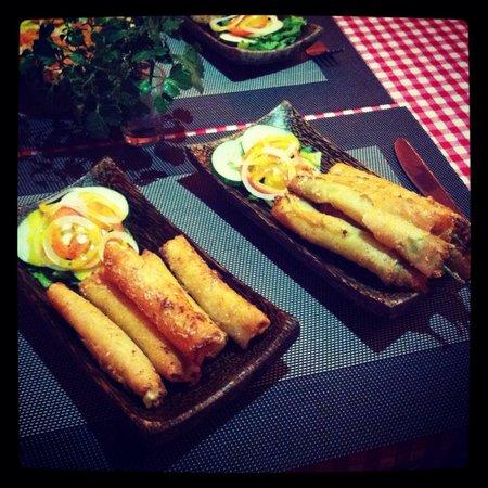 Bistro Bodega: Dynamite and cheese sticks !