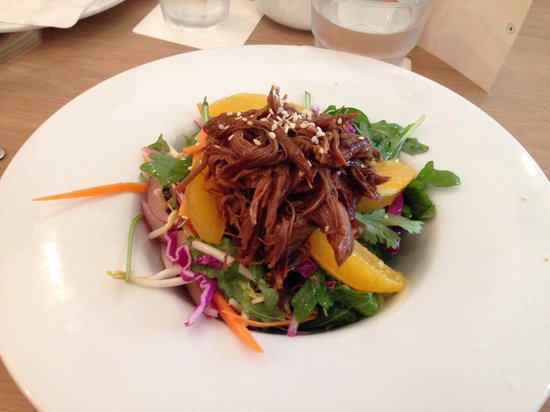 Neo Cafe & Eatery : Shredded duck salad