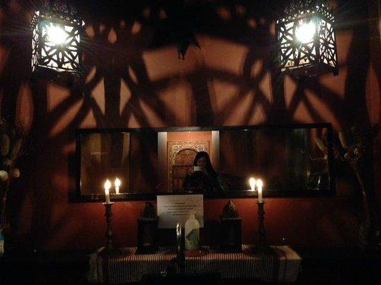 La Kasbah: Kasbah toilet - how exotic and romantical!