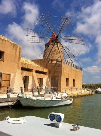 Isola di Mozia (Mothia)/ San Pantaleo: Non è l'Olanda bensì la nostra Italia
