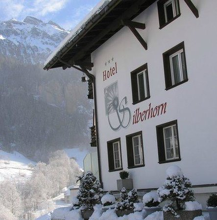 Hotel Silberhorn: Hotel im Winter