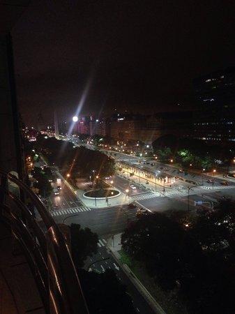 Pestana Buenos Aires: Vista da sacada da suíte Luxury as 5:30 AM
