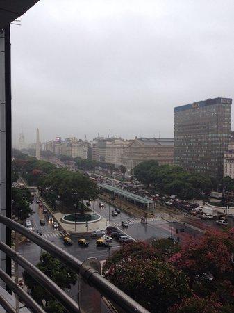 Pestana Buenos Aires: Vista de um dia chuvoso na suíte Luxury