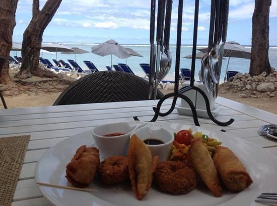 LUX* Saint Gilles: Le restaurant de la plage