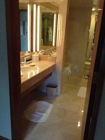 Kitano New York: バスルーム