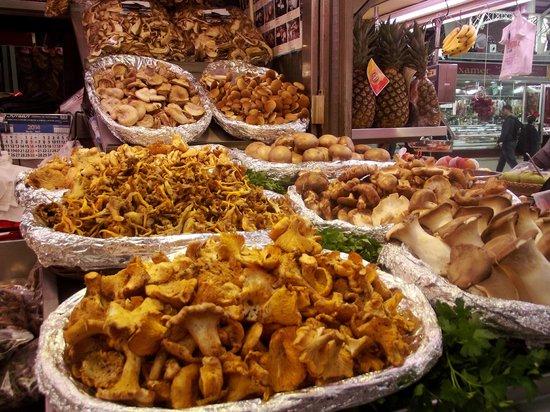 Central Market (Mercado Central) : Грибочки