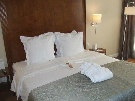 Warwick Geneva: bed