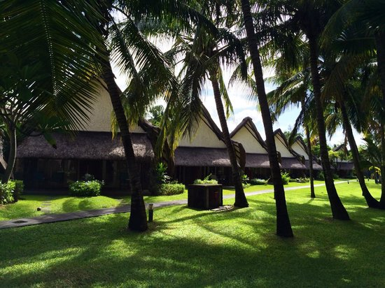 La Pirogue Resort & Spa : Little homes with two rooms each