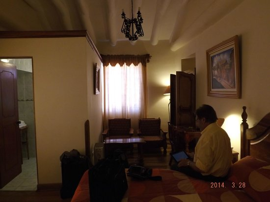 Midori Hotel: room 205