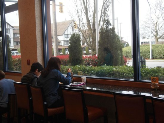 Holiday Inn Express Vancouver Airport : Plenty of seats