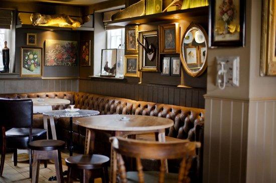 The White Horse: Pub