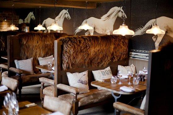 The White Horse: Restaurant