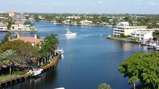 Serenity Yacht Cruises: View of where the Serenity is docked and the intercoastal waterway where the cruise takes place.