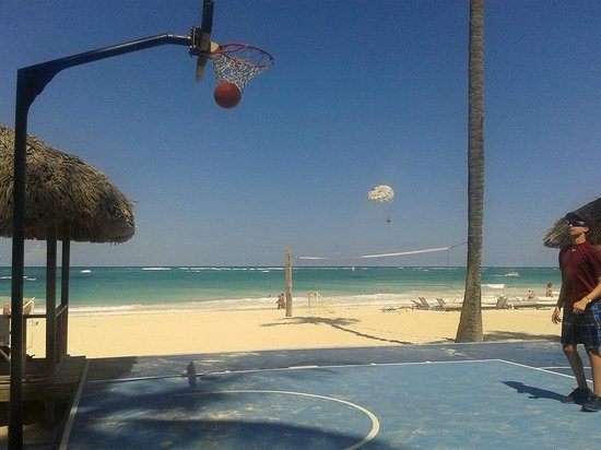"Paradisus Punta Cana Resort: Swoosh!  ""In your face"" Carlos.  Haha"