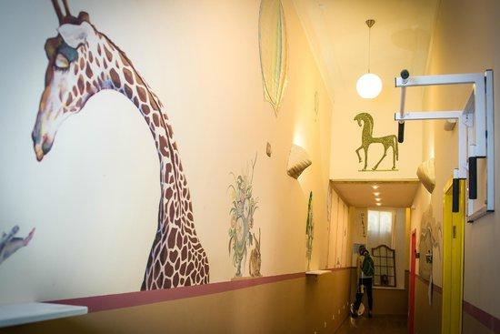 Centro Hostel: В нашем хостеле работал профессиональный художник - декоратор