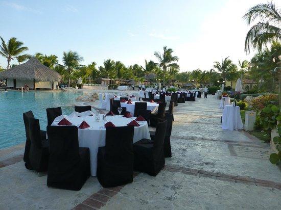 Sanctuary Cap Cana by AlSol: Le buffet hebdomadaire près de la piscine
