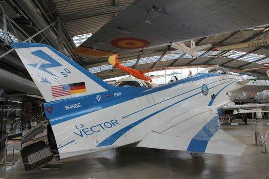 Flugwerft Schleißheim: これは、米独の共同開発の機体です。 タイフーンにそっくり。
