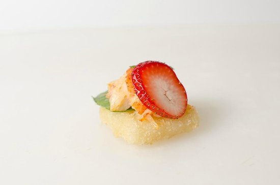 Sushi Taxi : Gaspé Lobster Tuile