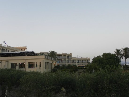 Grand Hotel Selinunte : hotel vu sur le coté