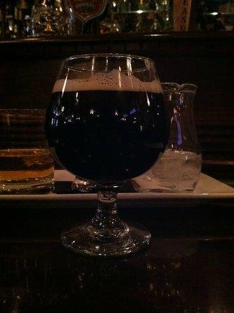 Nicholson's Tavern & Pub : Cask ale.