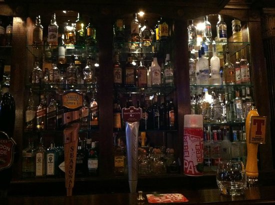 Nicholson's Tavern & Pub : The view,