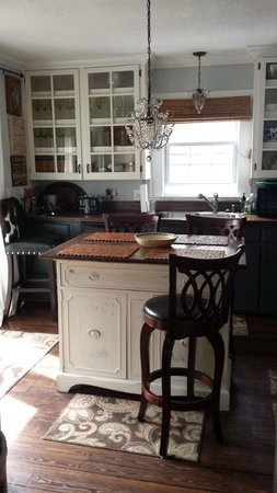 River House at Chimney Rock: Beautiful Kitchen!