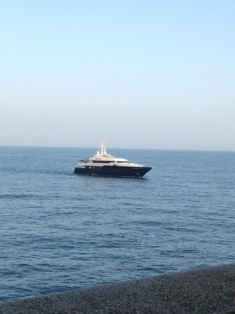 Fairmont Monte Carlo : see the helicopter?