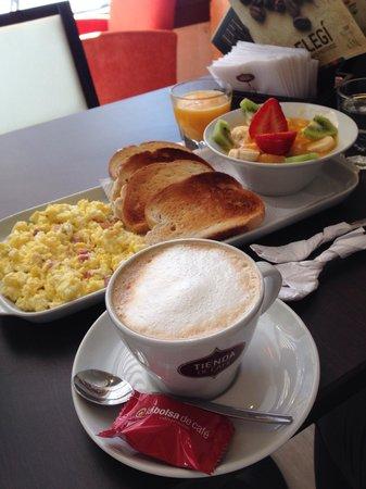 Desayuno americano: fotografía de Tienda de Cafe, Buenos ...