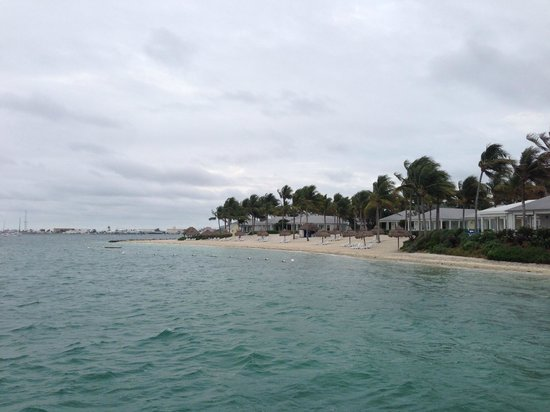 Sunset Key Cottages: picture of the beach area from the ferry boat as it pulls in