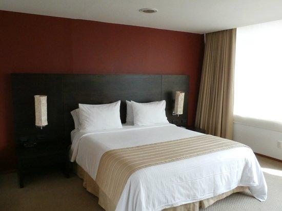 Holiday Inn Express Medellin: dormitorio
