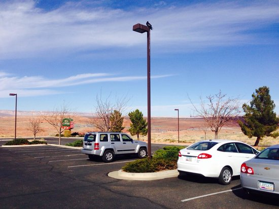 Courtyard Page at Lake Powell : Front lot view from lobby, Feb 14