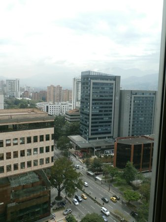 Holiday Inn Express Medellin: Vista desde la habitación.