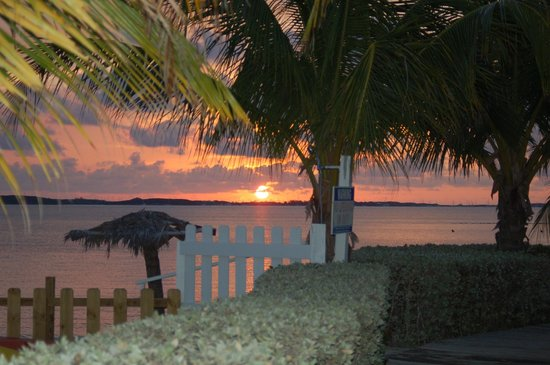 Hideaways at Palm Bay: Don't miss out on the beautiful sunrises over the bay