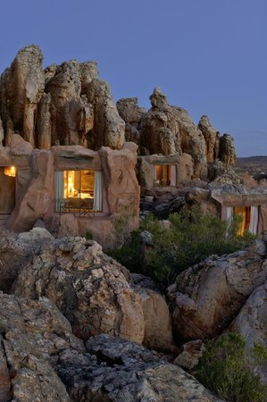 Kagga Kamma Nature Reserve: Cave Suites built against the sandstone rock formations