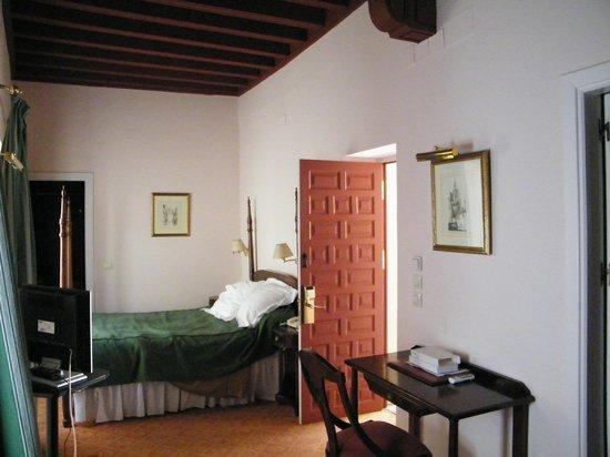 Las Casas de la Juderia: bedroom