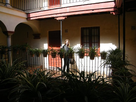 Las Casas de la Juderia : our room from outside
