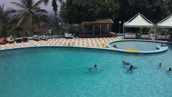 Hotel Mont-Febe : Piscina
