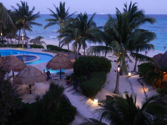 Mahekal Beach Resort: vista frontal do nosso quarto