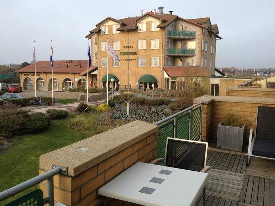 Hotel Greenside: Hotel vanaf balkon