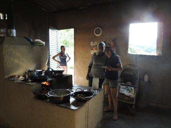 Community Kalunga of Engenho II: A cozinha da Januária e o seu fogão a lenha