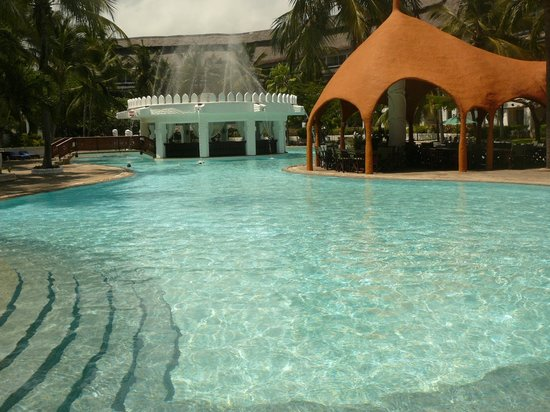 Southern Palms Beach Resort : pool