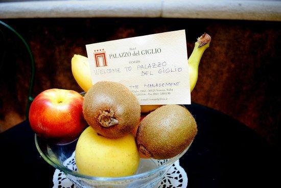 Palazzo del Giglio: Cestino di frutta di benvenuto