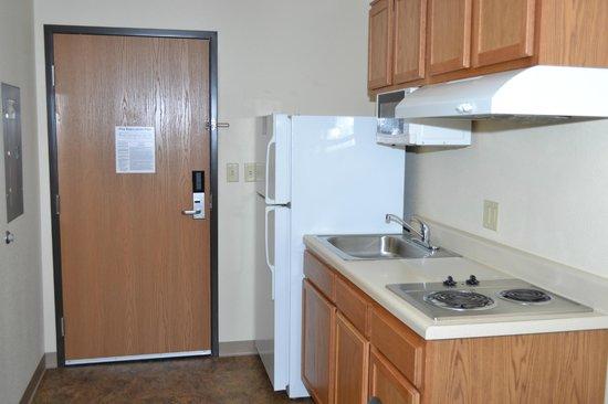 Value Place Murfreesboro: Kitchen