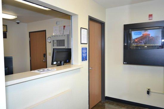 Value Place Murfreesboro: Reception