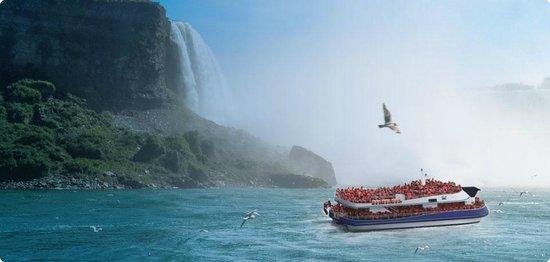 Royal Tours of Niagara Falls from Toronto: Niagara Falls Boat Ride with Royal Niagara Tours